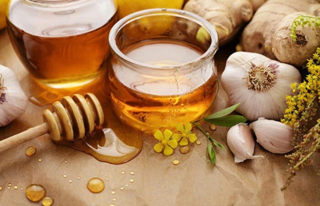 Tỏi và mật ong - bộ đôi kết hợp trị gàu cho mái tóc